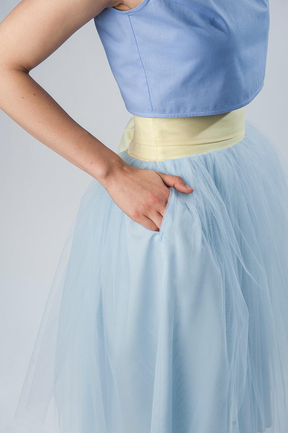 spódnica tiulowa błękitna z kieszeniami