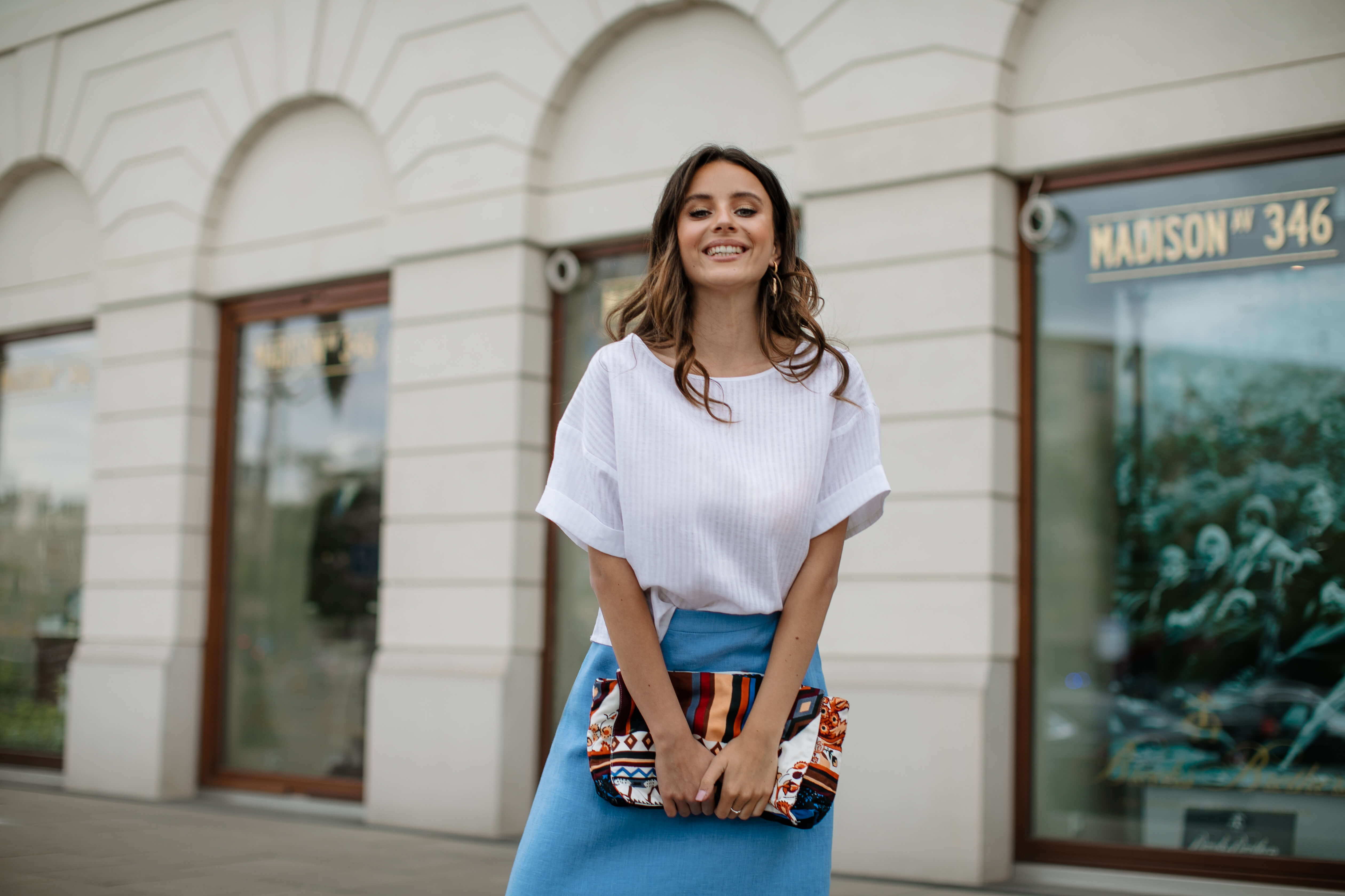 niebieska spódnica lniana