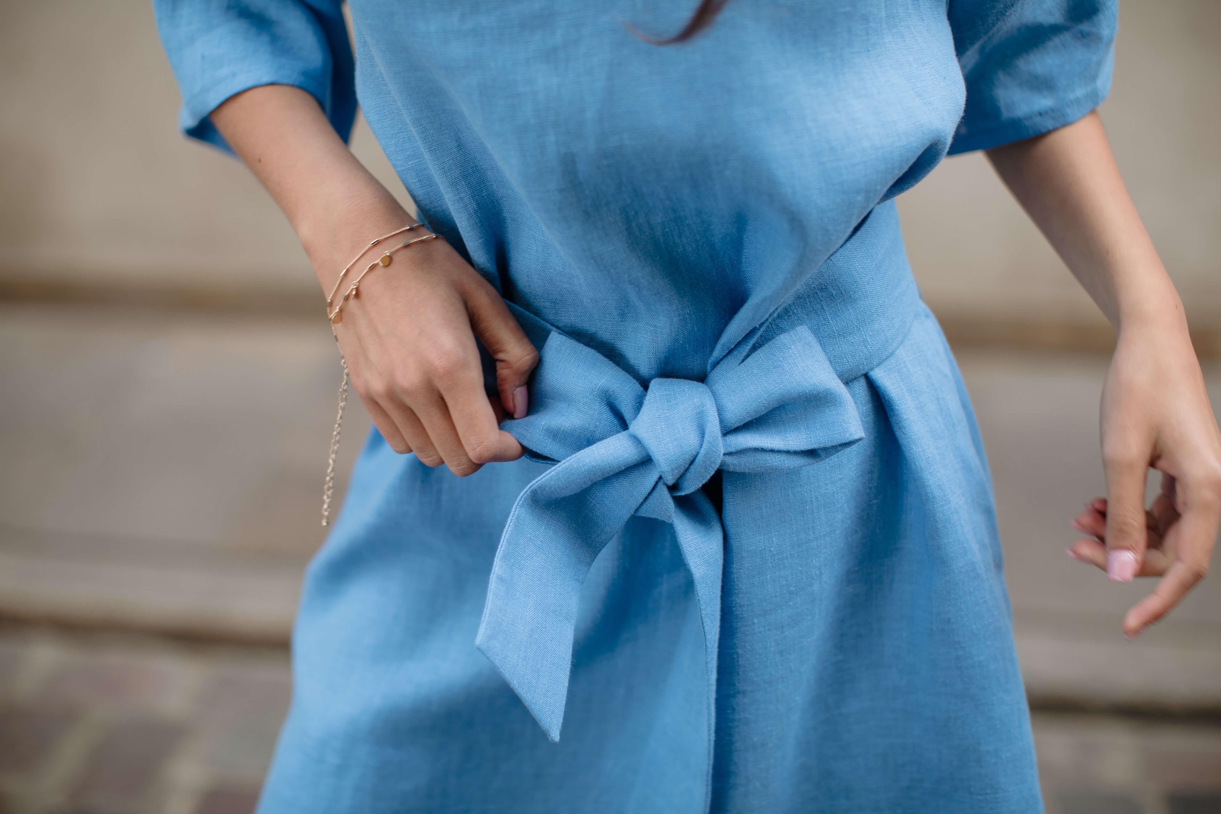 niebieska sukienka tunika lniana