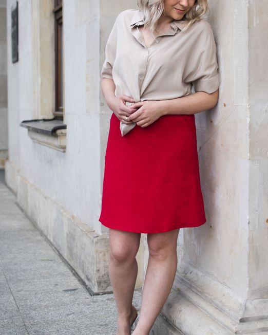 czerwona spódnica lniana mini na lato