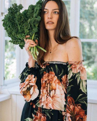 Sukienka w duże kwiaty GIULIETTA