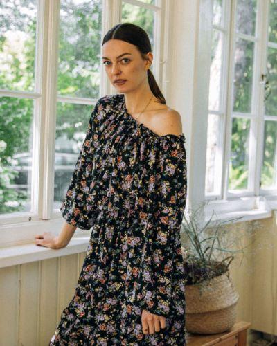Sukienka w drobne kwiaty GIULIETTA