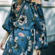 ROMANTIC FLORAL DRESS IN BLUE